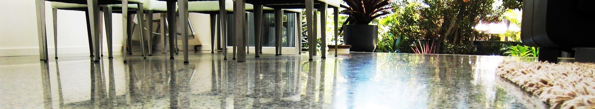 Under table polished concrete in the house by Multiblast